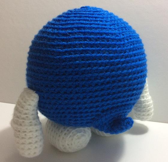 Lolo crochet plush - back view