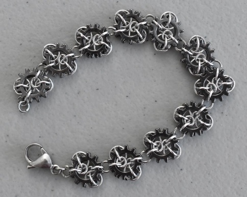 MIcro cogs chainmaille bracelet