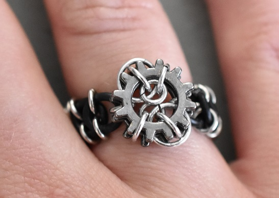 Micro cogs chainmaille ring
