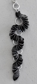 Trellis chainmaille necklace