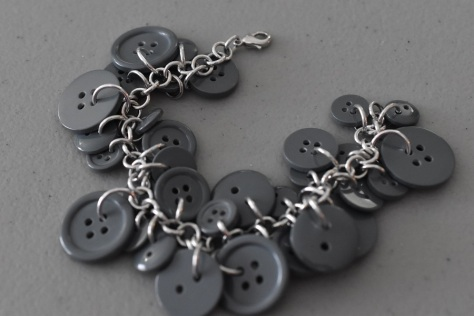 Button chainmaille bracelet
