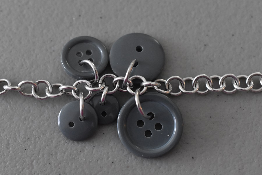 Five buttons added to the base chain
