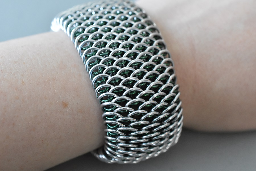 Dragonscale chain mail bracelet